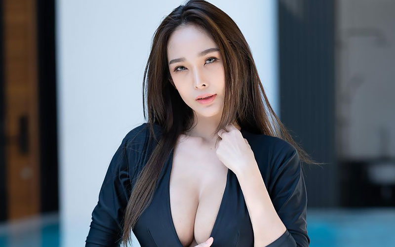 beautiful chinese bride in swimsuit